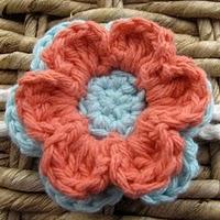6 Petal flower free crochet pattern