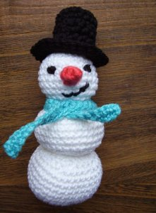 Lilo And Stitch Amigurumi Doll Pattern : 38 Snowman Decorations and Crochet Snowflakes ...
