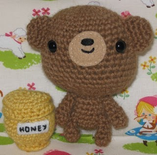 bear and honey Electric Yarn Ball Winder? Yup, you read that right.