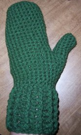 frayed at the edges: FREE: Fast & Easy Flat Mitten Knitting Pattern